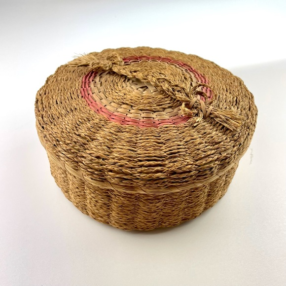 VINTAGE Wicker Container Lid Woven Basket Storage
